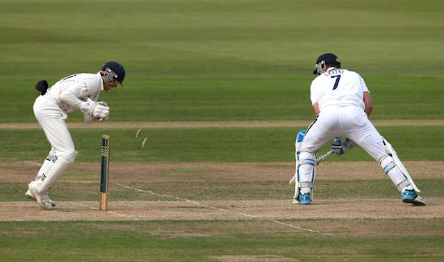 SOUTHAMPTON, ENGLAND - SEPTEMBER 17: Sean Ervine of Hampshire is stumped out by Sam Billings of Kent during day three of the LV County Championship match between Hampshire and Kent at Ageas Bowl on September 17, 2014 in Southampton, England. (Photo by Jordan Mansfield/Getty Images)