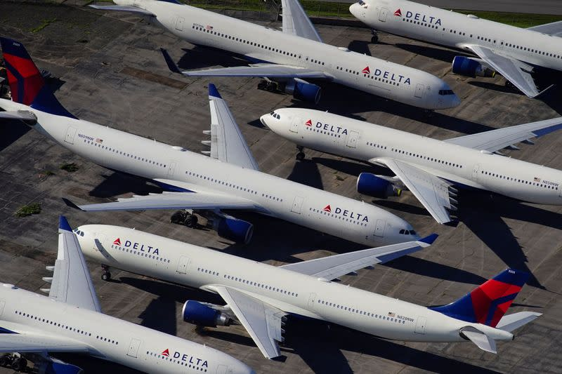 Delta can avoid most job cuts but still supports more government aid, CEO says