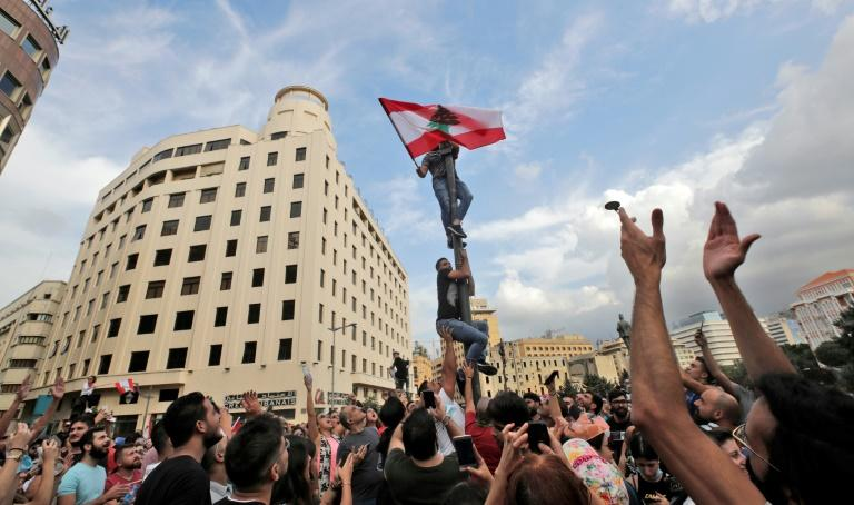 The demonstrators brought the capital Beirut to a standstill (AFP Photo/ANWAR AMRO)