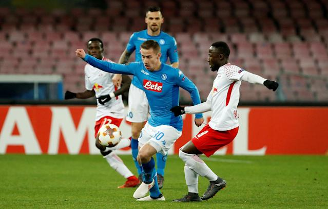 Soccer Football - Europa League Round of 32 First Leg - Napoli vs RB Leipzig - Stadio San Paolo, Naples, Italy - February 15, 2018 Napoli's Marko Rog in action with RB Leipzig's Naby Keita REUTERS/Ciro De Luca