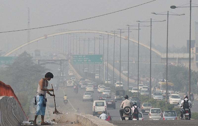 Successive Delhi governments have faced flak for failing to curb pollution in the Indian capital, whose air quality is worse than even Beijing's (AFP Photo/Prakash Singh)