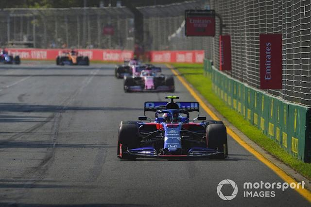 """Alexander Albon, Toro Rosso STR14, Sergio Perez, Racing Point RP19 <span class=""""copyright"""">Jerry Andre / Motorsport Images</span>"""