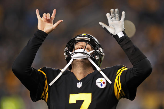 Ben Roethlisberger threw five touchdowns in a blowout win over the Panthers. (AP)