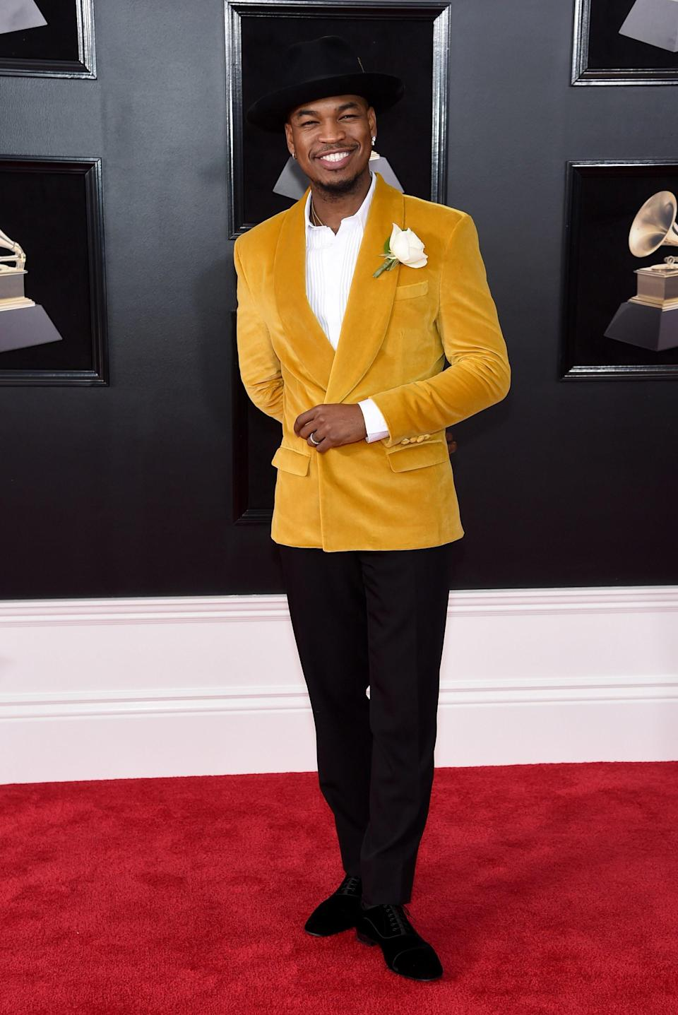 """<h1 class=""""title"""">Ne-Yo in Grayscale and Christian Louboutin shoes</h1><cite class=""""credit"""">Photo: Getty Images</cite>"""