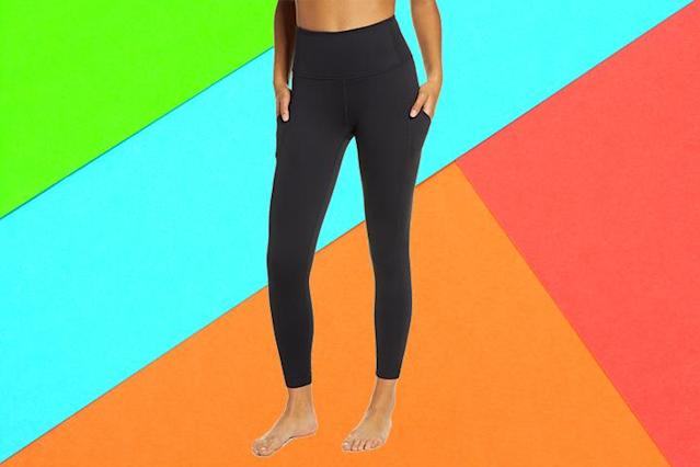 Thousands of reviewers are obsessed with these Zella leggings. (Photo: Nordstrom)