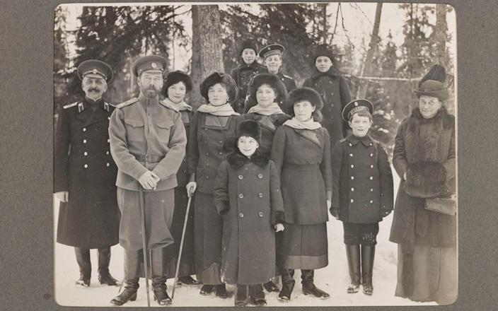 Romanovs-Seven people were killed after the Russian Revolution