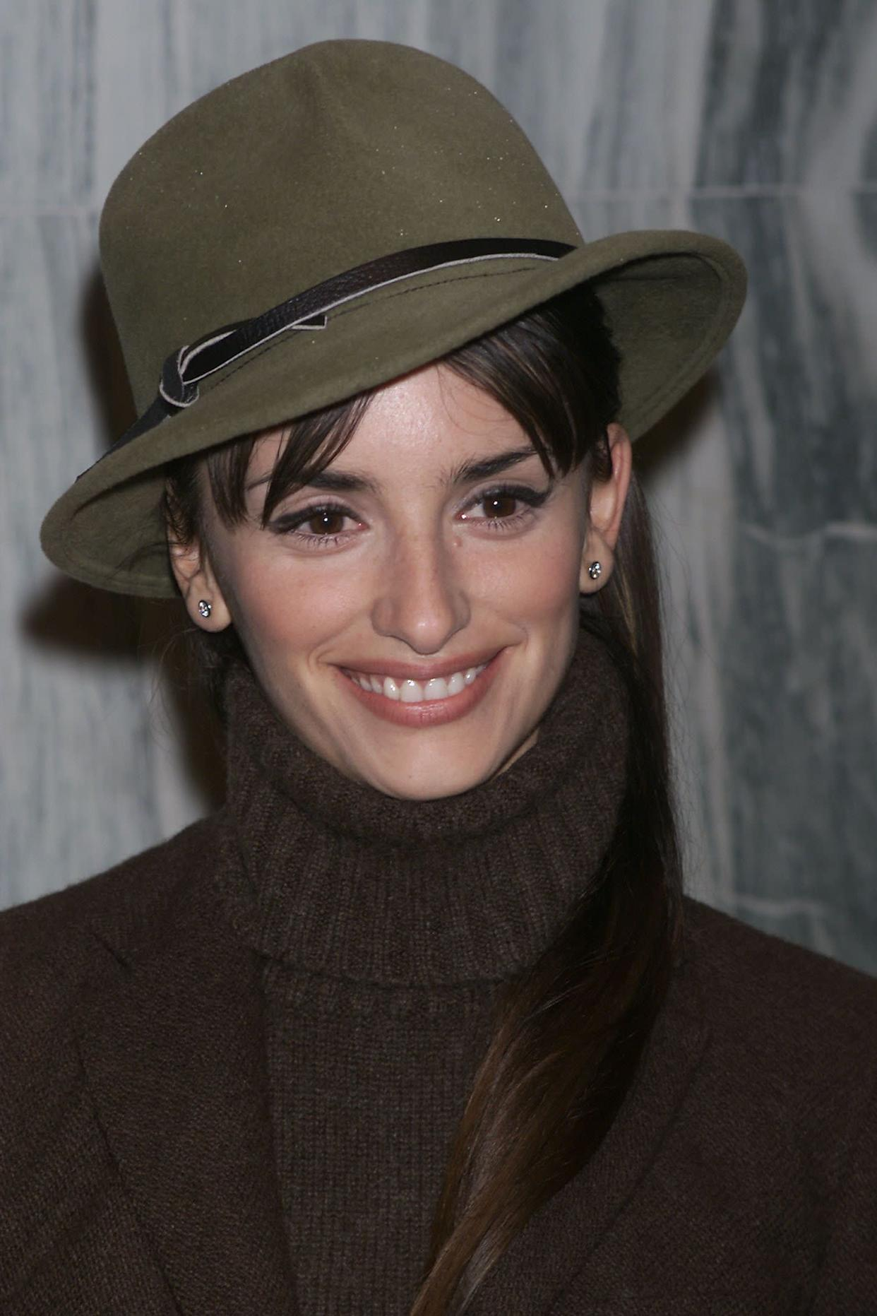 """The actress sports a turtleneck at the premiere of """"All The Pretty Horses"""" in New York in December 2000."""