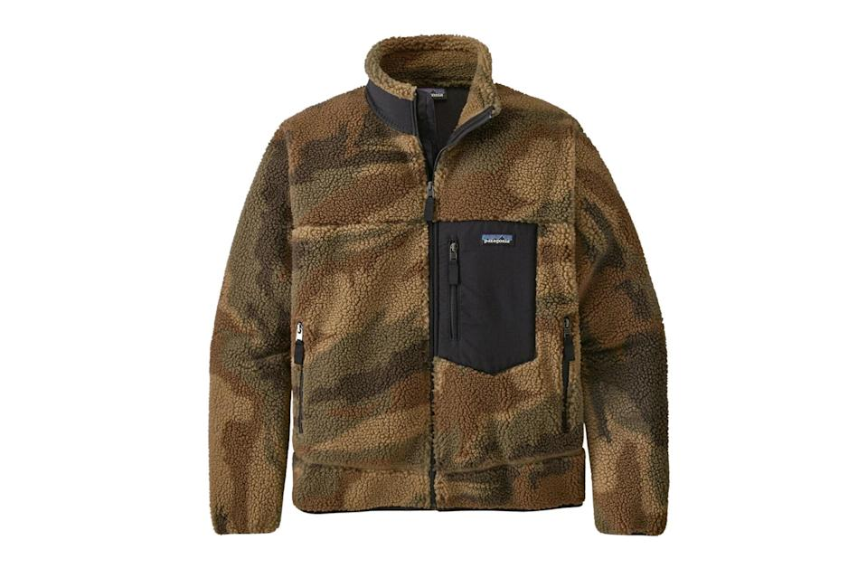 """Your favorite <a href=""""https://www.gq.com/story/the-best-chore-coats-for-men?mbid=synd_yahoo_rss"""" rel=""""nofollow noopener"""" target=""""_blank"""" data-ylk=""""slk:chore coat"""" class=""""link rapid-noclick-resp"""">chore coat</a>, with a slightly more advanced camp collar and rugged hardware.<br> <br> <em>Patagonia classic Retro-X fleece jacket</em> $199, Patagonia. <a href=""""https://www.patagonia.com/product/mens-classic-retro-x-fleece-jacket/23056.html?dwvar_23056_color=KSCT"""" rel=""""nofollow noopener"""" target=""""_blank"""" data-ylk=""""slk:Get it now!"""" class=""""link rapid-noclick-resp"""">Get it now!</a>"""