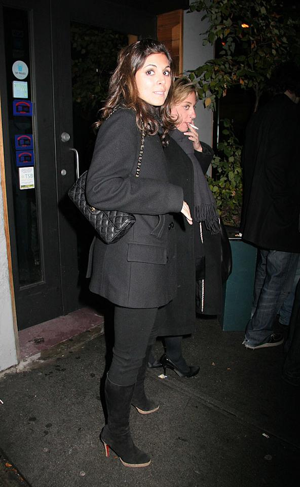 """Jamie-Lynn Sigler is so New York in her all black outfit. Perez/Abbot/<a href=""""http://www.infdaily.com"""" target=""""new"""">INFDaily.com</a> - November 13, 2007"""