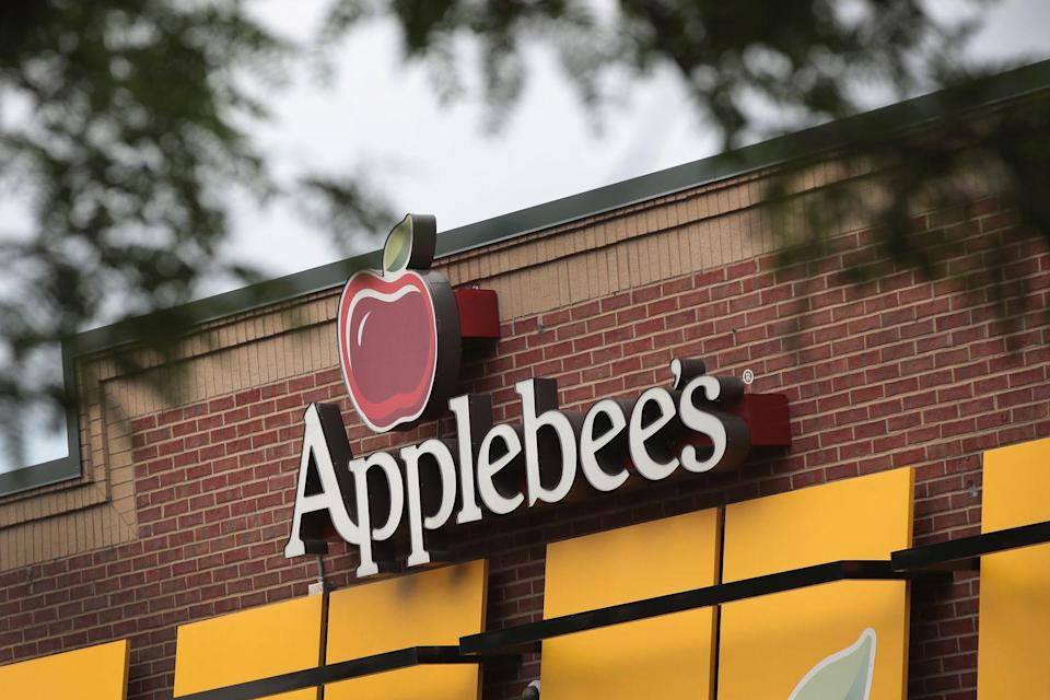 <p>You can expect normal Sunday hours at Applebee's locations—go ahead and get your $5 cocktail on.</p>