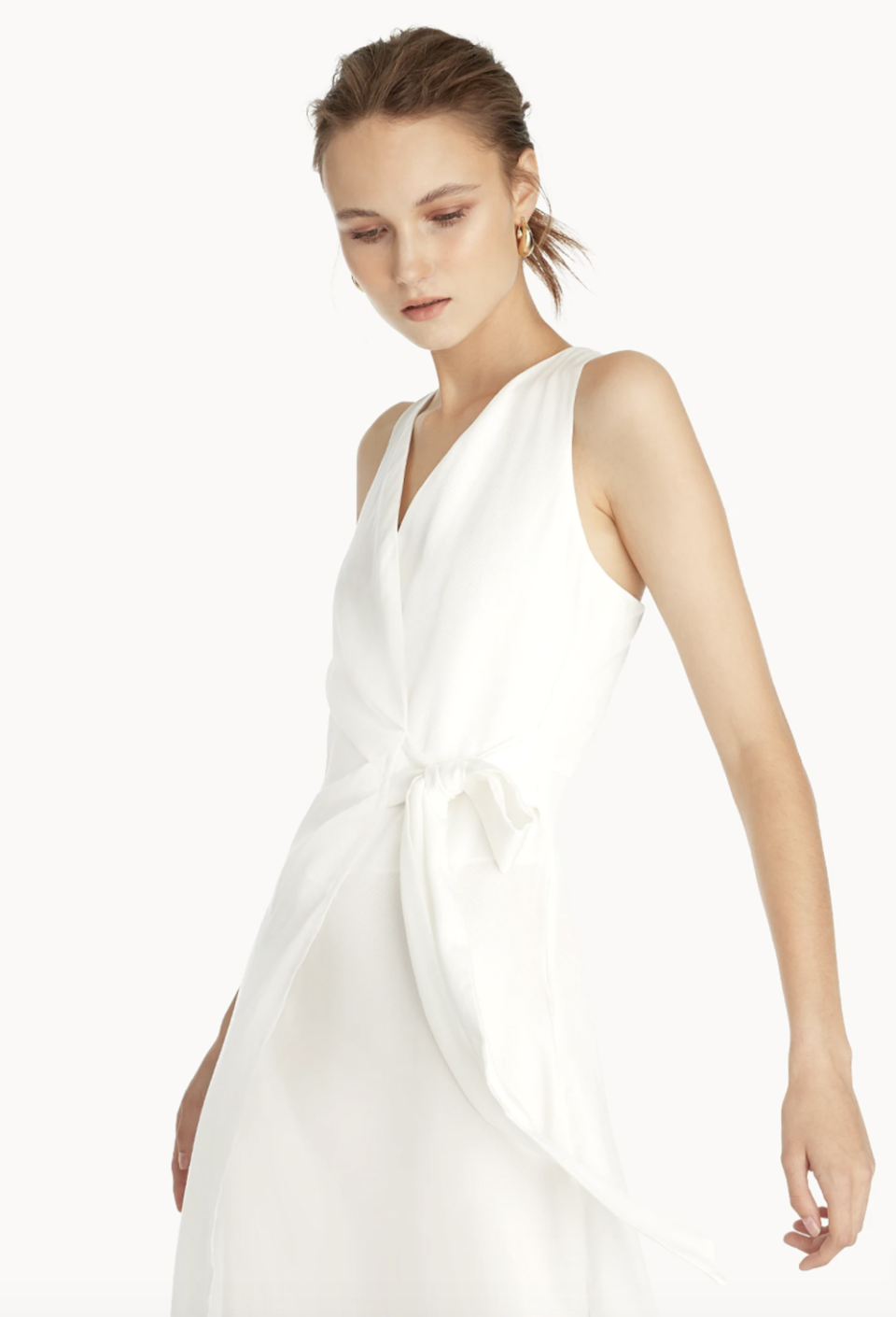 Pomelo Premium Sleeveless Wrap Dress. (PHOTO: Pomelo)