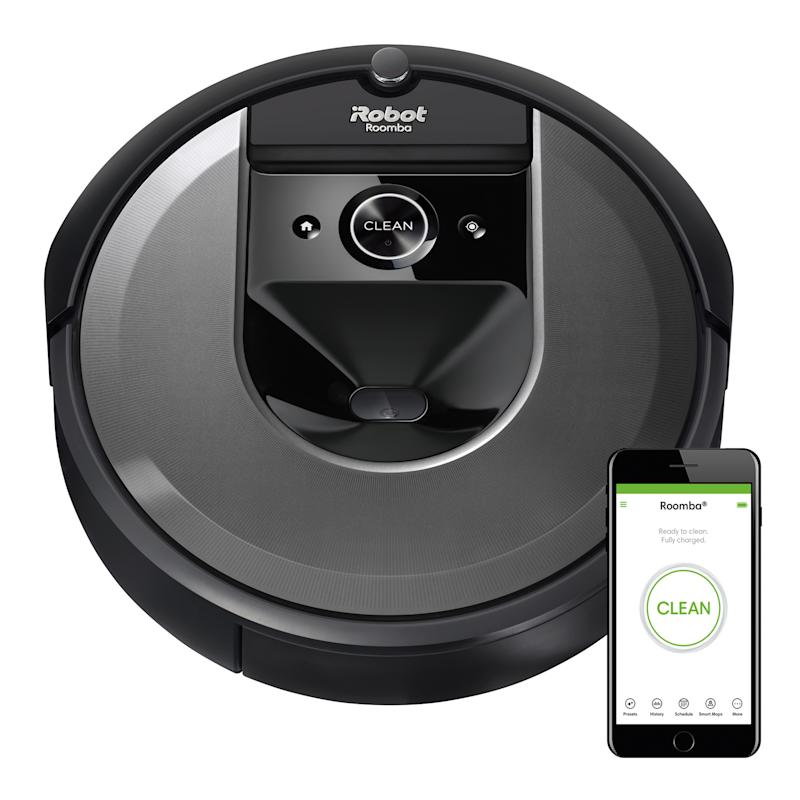 The iRobot Roomba i7 has a 4.7 out of 5-star review rating. (Photo: Amazon)
