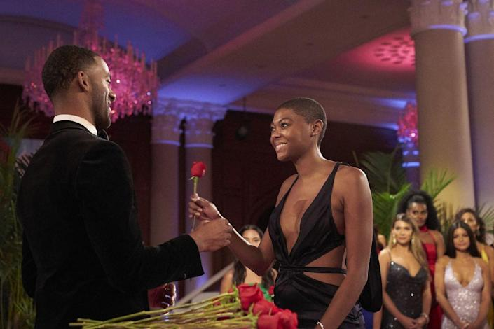 """<p>If you've ever wondered how the hell the Bachelor/ette remembers all their contestants' names during the rose ceremonies, it's shockingly NOT because producers are feeding them info through an ear piece.</p><p>""""We actually will stop so they can memorize the names themselves,"""" Chris told <em><a href=""""https://www.etonline.com/chris-harrison-spills-bts-bachelor-secrets-hidden-cameras-limo-exits-and-fantasy-suites-exclusive"""" rel=""""nofollow noopener"""" target=""""_blank"""" data-ylk=""""slk:ET"""" class=""""link rapid-noclick-resp"""">ET</a></em>. """"Because we have always wanted them to make the lists themselves and say it themselves. We don't want to be prompting them in any way.""""</p>"""