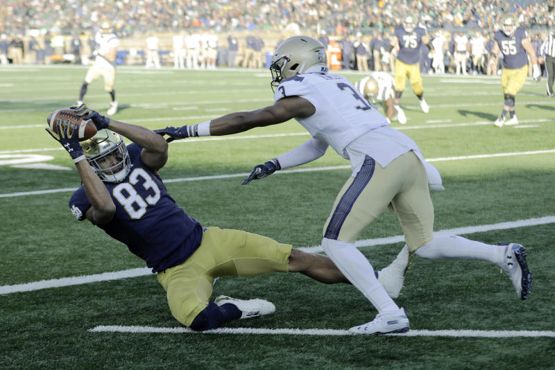 Claypool catches 4 TDs as No. 16 Notre Dame rout Navy 52-20