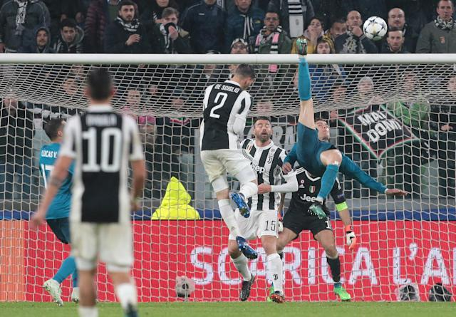 Cristiano Ronaldo's bicycle-kick goal vs. Juventus. (Getty)