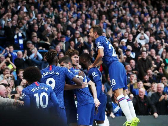 Chelsea celebrate after Marcos Alonso scores (REUTERS)