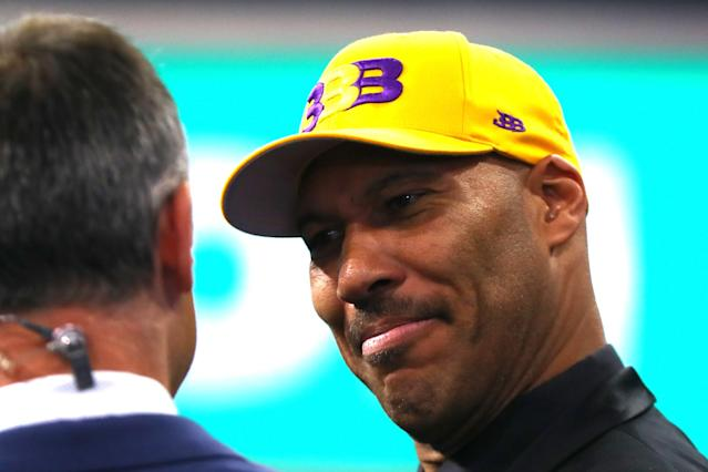 "LaVar Ball speaks at the NBA draft, where the <a class=""link rapid-noclick-resp"" href=""/nba/teams/lal/"" data-ylk=""slk:Los Angeles Lakers"">Los Angeles Lakers</a> took his son, <a class=""link rapid-noclick-resp"" href=""/ncaab/players/136151/"" data-ylk=""slk:Lonzo Ball"">Lonzo Ball</a>, No. 2 overall. (Getty)"