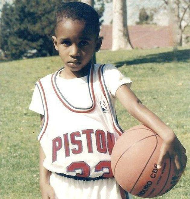 A young Brandon Jennings rocks Grant Hill's throwback Detroit Pistons jersey (Photo)