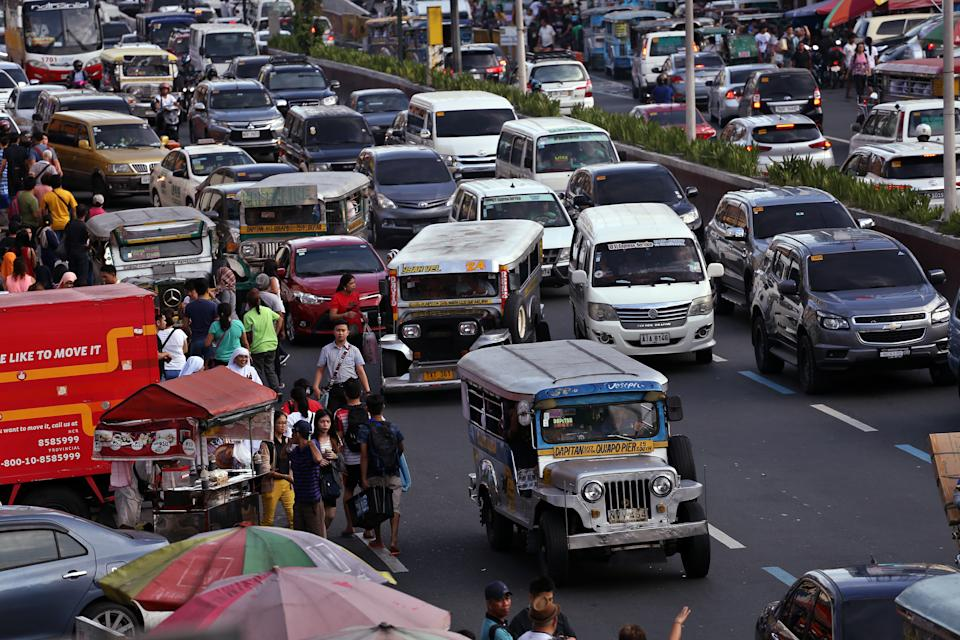 Commuters in Manila spend <strong>71% extra travel time</strong> stuck in traffic.