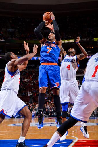 Anthony keeps Knicks perfect with win over 76ers