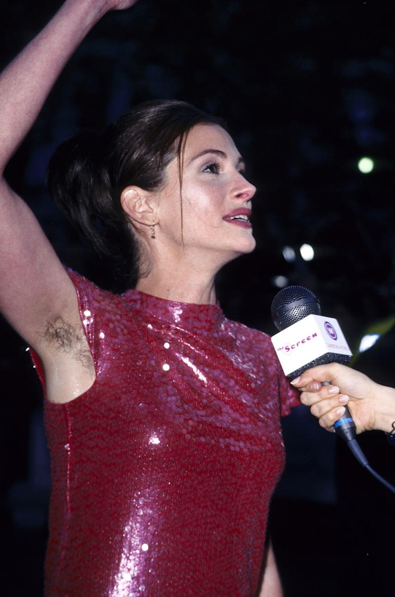 """Julia Roberts at the 1999 London premiere of """"Notting Hill."""" (Fred Duval via Getty Images)"""