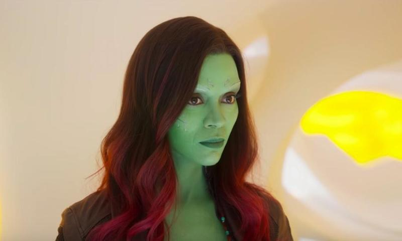 Zoe Saldana S Video Of Avengers Gamora Applying Lipstick