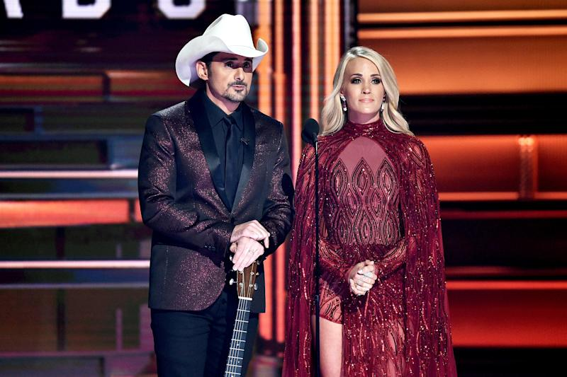 Brad Paisley, Carrie Underwood dedicate CMAs to victims of recent tragedies
