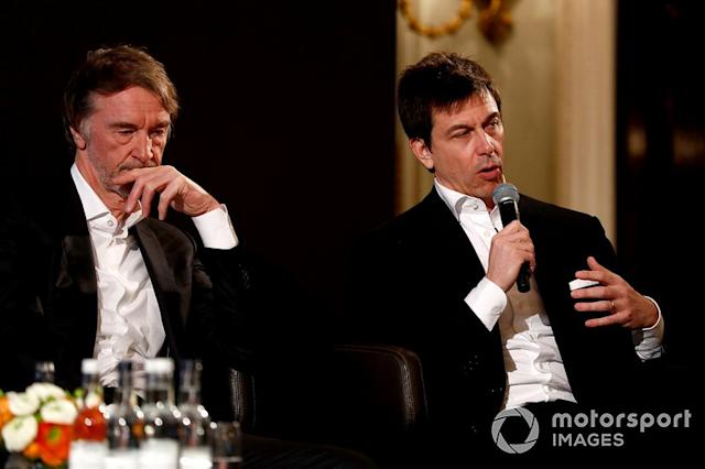 "Sir Jim Ratcliffe Presidente e Amministratore Delegato del gruppo chimico Ineos Direttore Esecutivo (Business), Mercedes AMG <span class=""copyright"">Glenn Dunbar / Motorsport Images</span>"