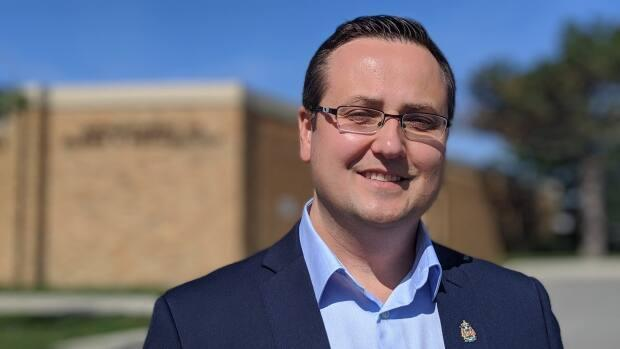 Windsor—Tecumseh MP Irek Kusmiercyzk says that the quarantine period when entering Canada is necessary for health and safety.