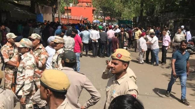 Security forces and protesters pelted stones at each other in Delhi's Mayapuri on Saturday during MCD's sealing drive to shut down polluting scrap factories.