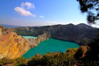 <p>The lakes on the volcanic peaks are constantly changing color. </p>