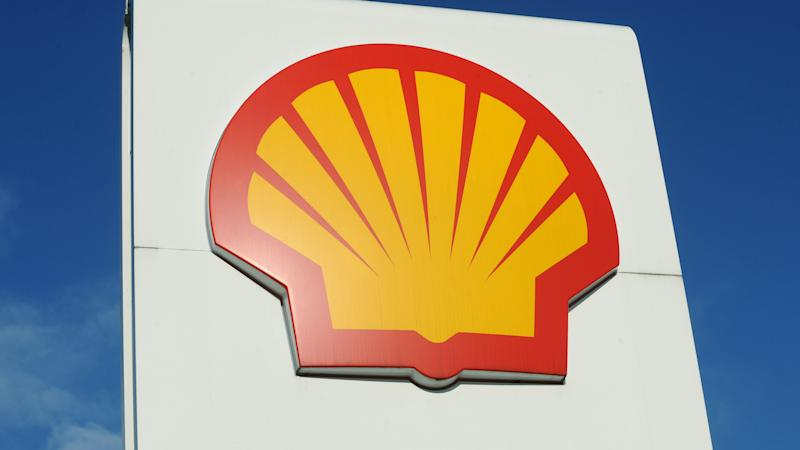 Oil giants pull market lower after Shell reveals £18bn hit