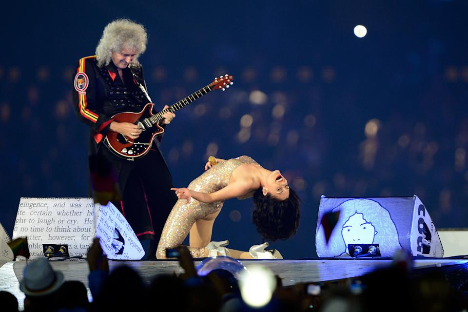 Brian May of Queen performs alongside Jessie J during the Closing Ceremony on Day 16 of the London 2012 Olympic Games at Olympic Stadium on August 12, 2012 in London, England. (Photo by Pascal Le Segretain/Getty Images)