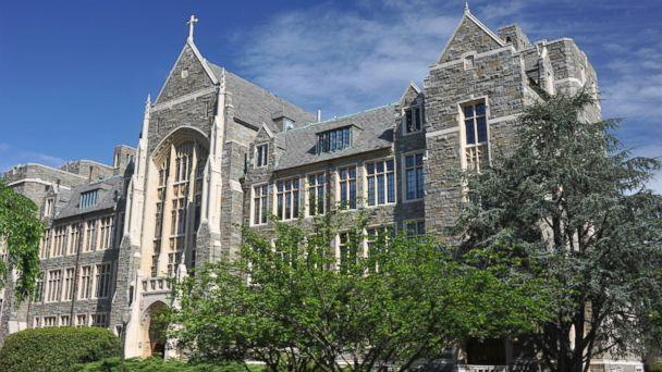 PHOTO: White-Gravenor Hall of Georgetown University is shown.  (Aimin Tang/Getty Images)