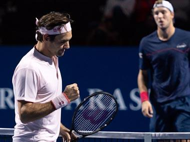 Swiss Indoors: Roger Federer beats Jan-Lennard Struff in straight sets to win 17th consecutive match in Basel