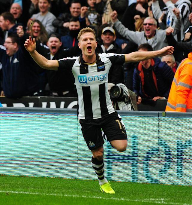 NEWCASTLE, ENGLAND – APRIL 1: Matt Ritchie of Newcastle United (11) celebrates after scoring Newcastle's second goal during the Sky Bet Championship match between Newcastle United and Wigan Athletic at St.James' Park on April 1, 2017 in Newcastle upon Tyne, England. (Photo by Serena Taylor/Newcastle United via Getty Images)