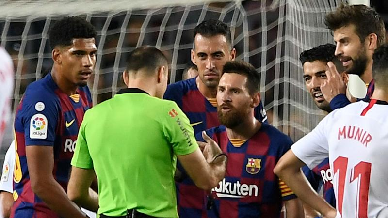 How Messi Tried To Save Dembele From Red Card By Telling Ref He Can T Speak Spanish Well