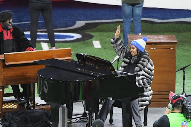 <p>Detroit native Franklin sings the National Anthem before the NFL game between the Minnesota Vikings and Detroit Lions on Thanksgiving Day, 2016. (Getty) </p>