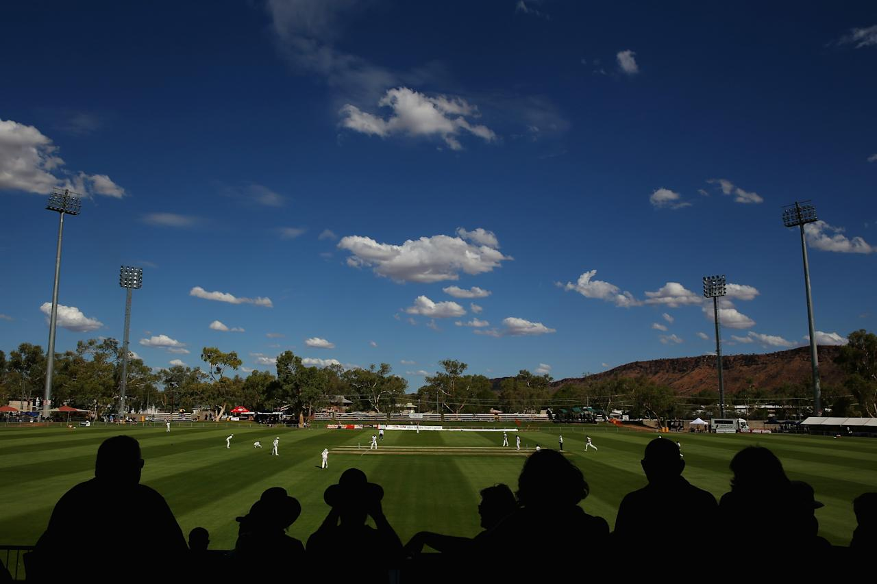 ALICE SPRINGS, AUSTRALIA - NOVEMBER 29: A general view is seen during day one of the tour match between the Chairman's XI and England at Traeger Park on November 29, 2013 in Alice Springs, Australia. (Photo by Mark Kolbe/Getty Images)