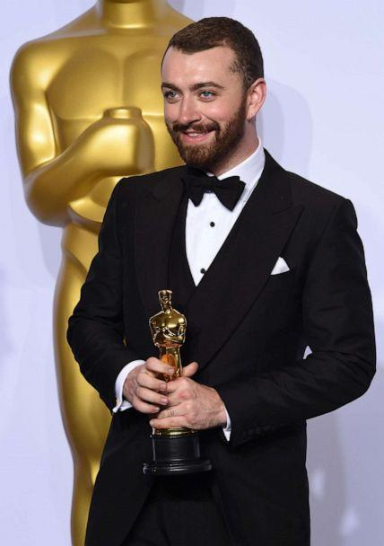 PHOTO: Sam Smith poses with the Oscar for Best Original Song during the 88th Oscars in Hollywood, Calif., Feb. 28, 2016.  (Robyn Beck/AFP/Getty Images)