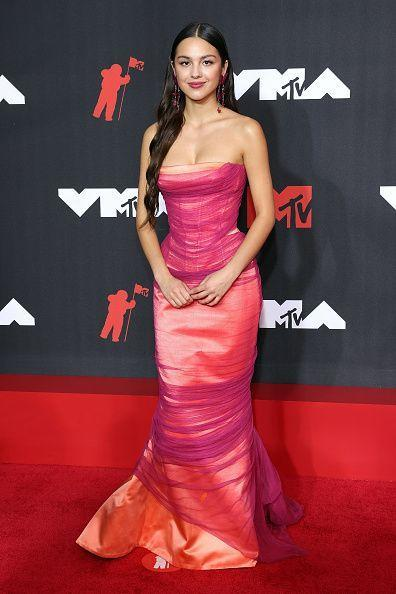 <p>The 'good 4 u' singer looked like the pop princess she is at the MTV Video Music Awards wearing a vintage Versace gown from the SS01 Couture collection. That makes the dress two years older than the 18 year-old, but it looks fresh as ever.</p>