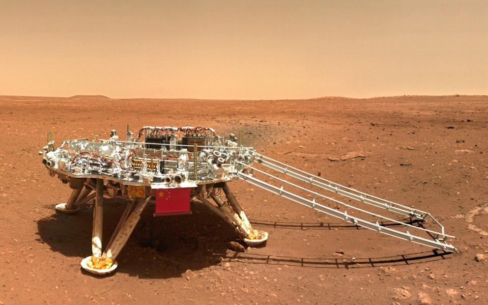 The lander of the Tianwen-1 mission captured on the surface of Mars - CNSA