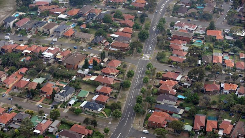 <p>Housing finance for investors and owner-occupiers declined in December, new ABS data shows.</p>