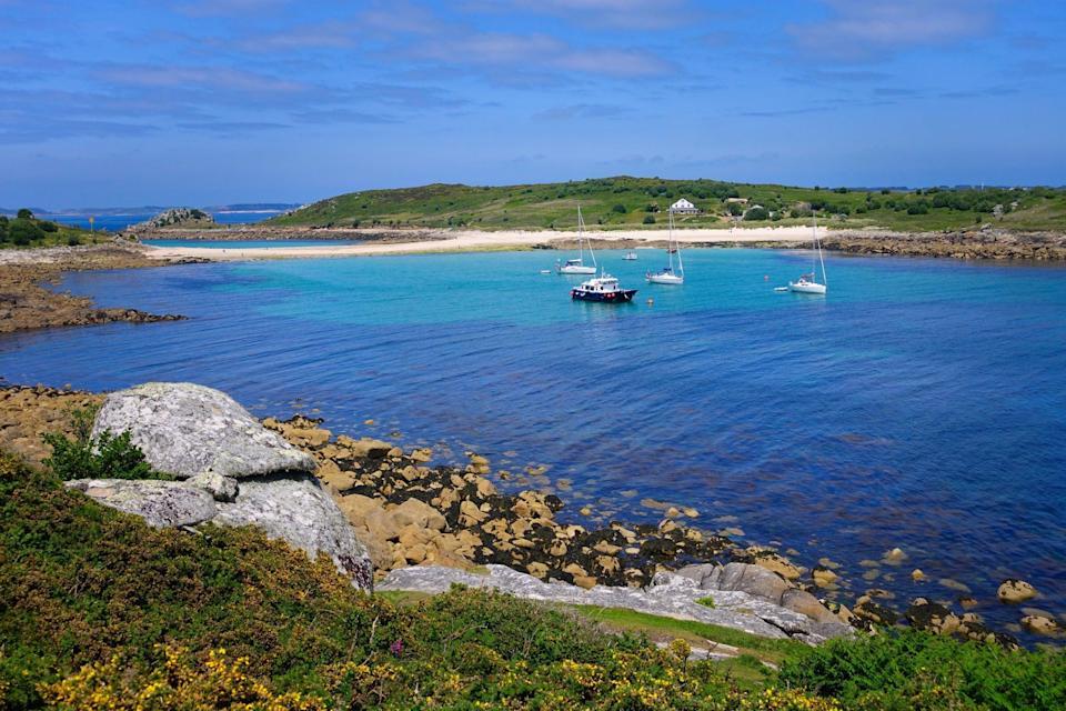 The UK's Isles of Scilly look like something out of a honeymoon brochure (Shutterstock / Neil Duggan)