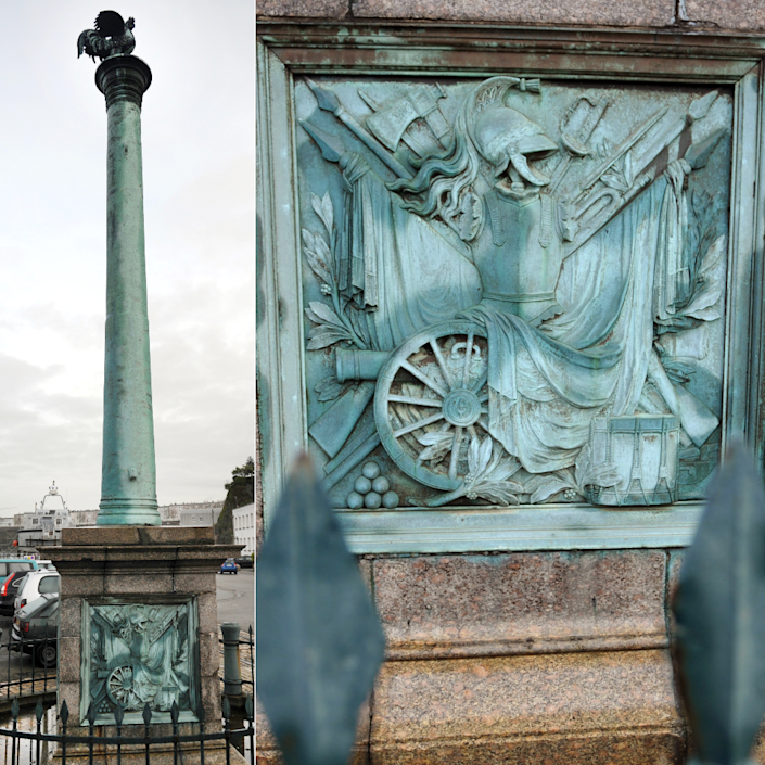 L: Photo of the cannon in Brest R: Close up of the plinth on which the cannon is mounted