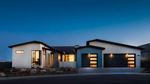 Jasper by Mandalay Homes is a beautiful 1,200-acre master-planned community that is the definition of sustainability and innovative design. The single-family, Net Zero-ready homes are located at the base of Glassford Hill in Prescott Valley, Arizona. Serving as the general contractor and managing the construction process is Mosaic, a construction technology company based in Phoenix.