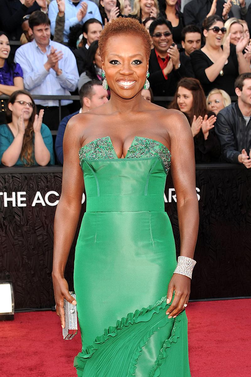 Viola Davis sports her natural hair at the Oscars on Feb. 26, 2012 in Hollywood. (Photo: Kevin Mazur/WireImage)