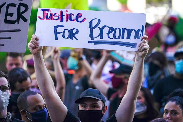 Image: Protests in Louisville following the death of Breonna Taylor (Bryan Woolston / Reuters file)