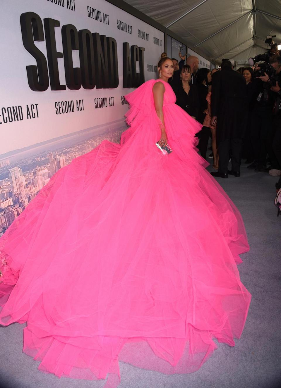 J Lo's Giambattista Valli dress featured a gigantic train (Photo Image Press/Splash News / SplashNews.com)
