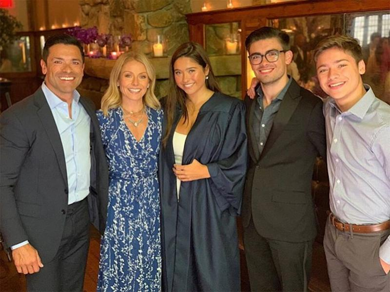 Mark Consuelos and Kelly Ripa with their kids | Kelly Ripa/Instagram